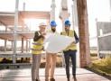 Comment se déroulent les travaux de construction dans un chantier ?