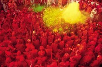 Fête de couleurs : comment cela se passe réellement ?