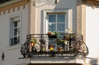 Comment entretenir un balcon en ville ?
