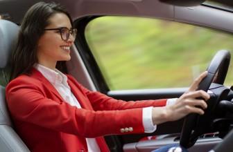 Les femmes, sont-elles meilleures conductrices que les hommes ?